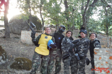 batalla de paintball con amigos