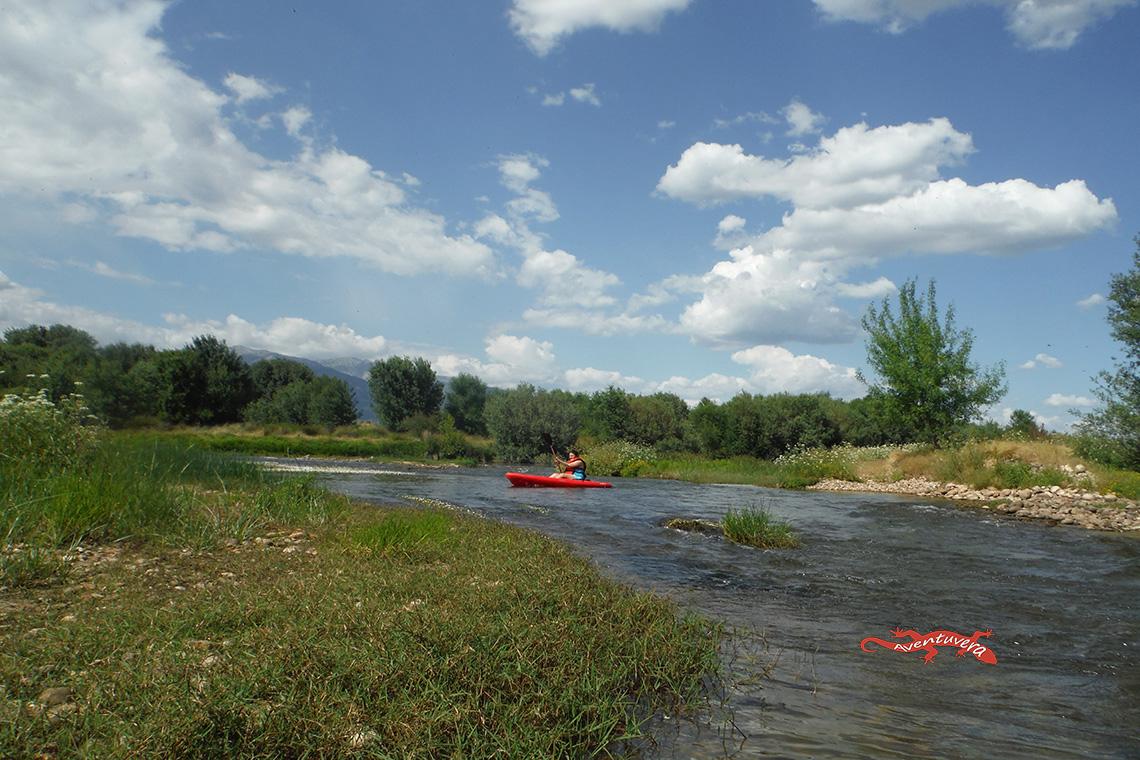 piragua en el rio Tietar,rafting